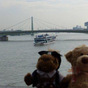 This is a suspension bridge named the Mülheim Bridge.